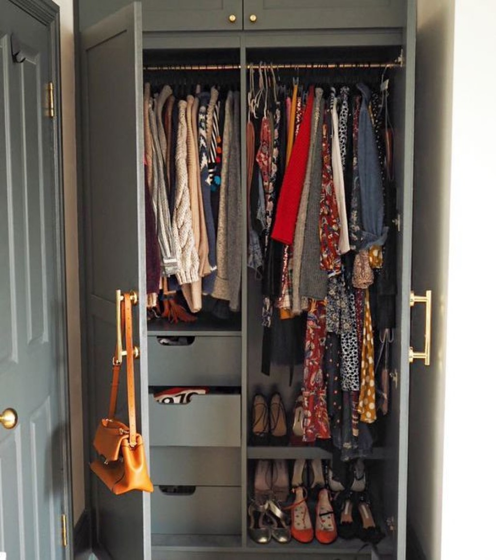 how-to-organise-my-closet-243347-1576185634644-square.700x0c (1).jpg
